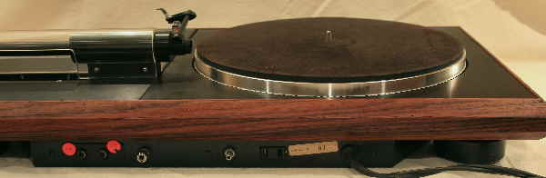 Infinity_Air_Bearing_Turntable_Back